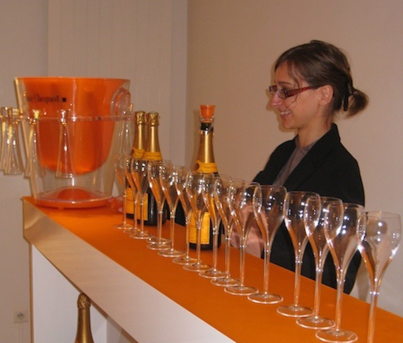 Pouring the Veuve Clicquot