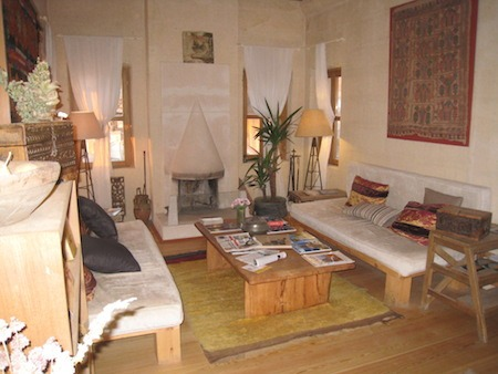 Food Travelist Argos Cappadocia Warm and Welcoming Interior