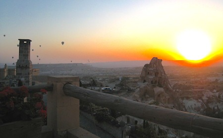 Food Travelist Argos in Cappadocia Balloons at Sunrise
