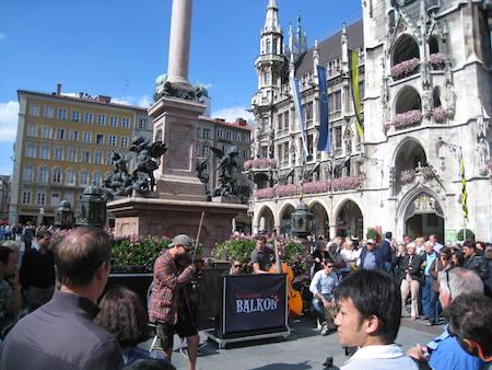 Food Travelist Marienplatz Musicians