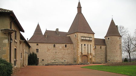Food Travelist Château de Corcelles in Beaujolais Takes Visors and produces Brouilly