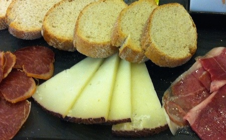 Food Travelist jamon and cheese