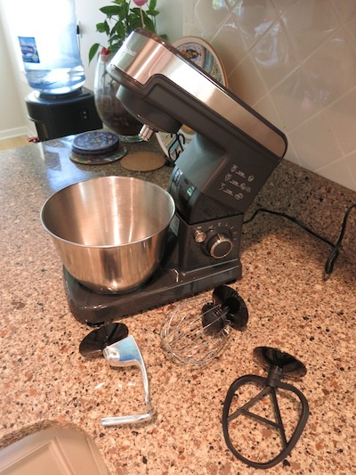 Stand Mixer With Attachments