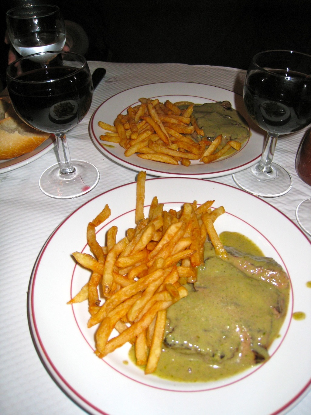 Realais-Le-Entrecote-In-Paris-France-Food-Travelist