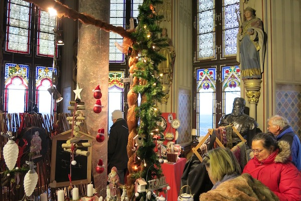 Distinctive Shopping at Hohenzollern Castle Christmas Market