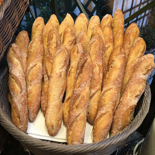 Baguettes for Breakfast Hotel Napoleon