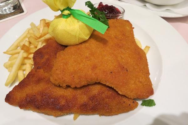 Weiner Schnitzel at Weinstube Kachelofen