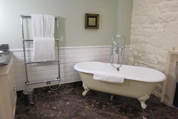 Talbot Hotel Bathroom