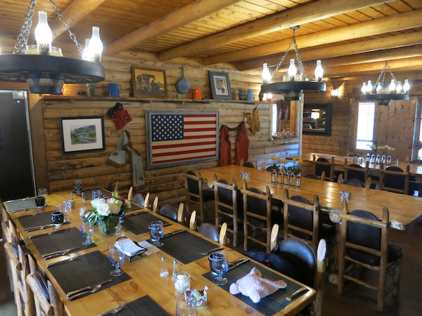 rawah-ranch-dining-room