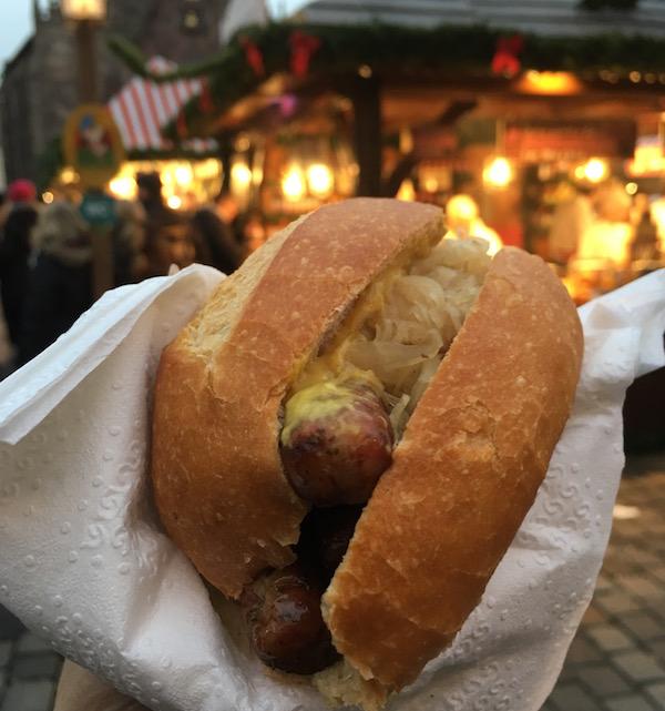 nuremberg-sausage-sandwich