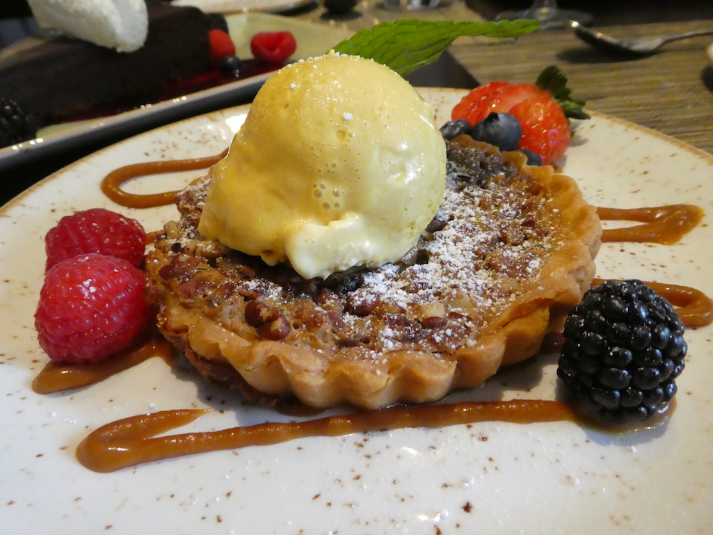 312 Chicago Gorgeous Pecan Tart