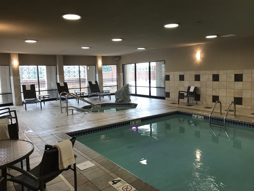 Swimming Pool and whirlpool at the Courtyard in Roseville Minnesota