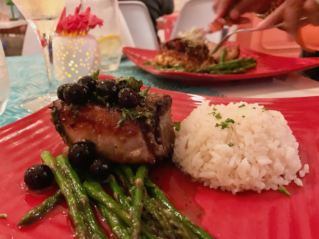 Uptown Eatery St. Croix Seared Tuna with peppercorn crust and Blueberries and aspargus