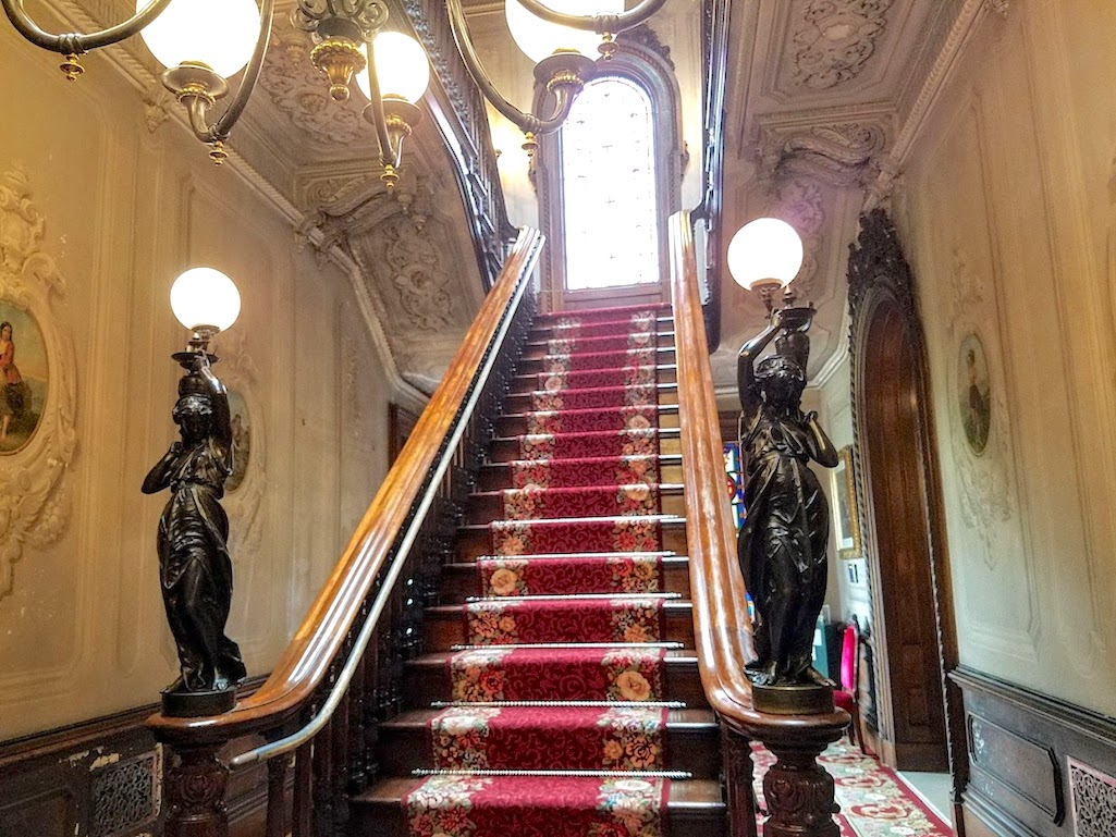 Victoria Mansion Floating Staircase