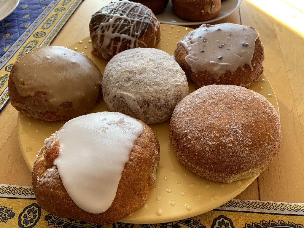 Paczki from Grebes Bakery at Metcalfes