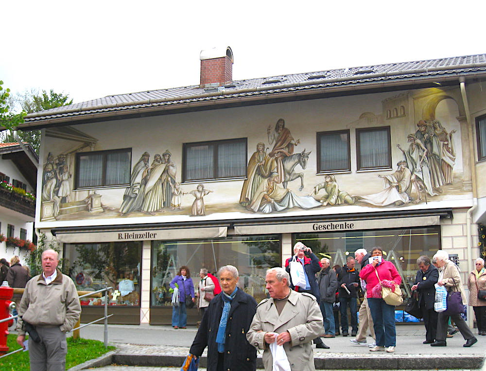 Shops and Tourists in Oberammergau