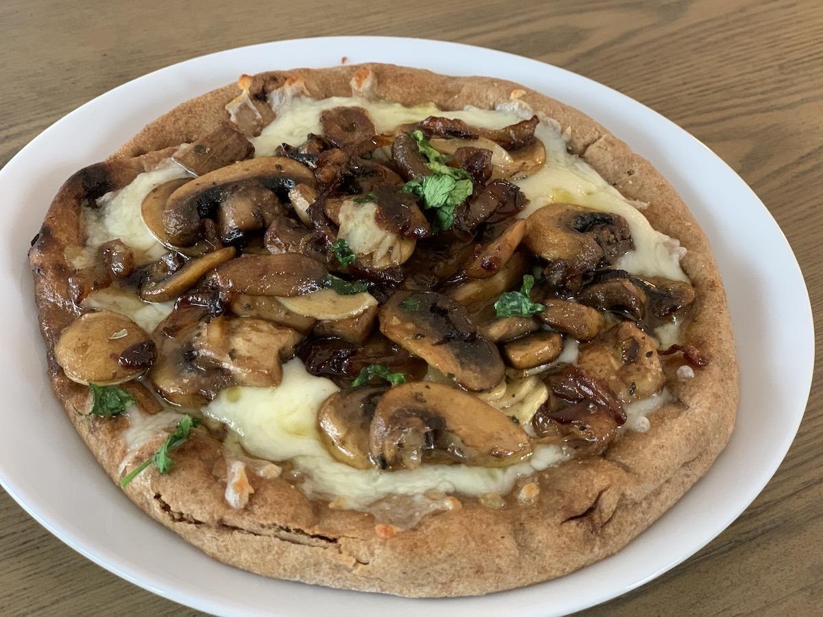 Mushroom, onion, garlic pita pizza