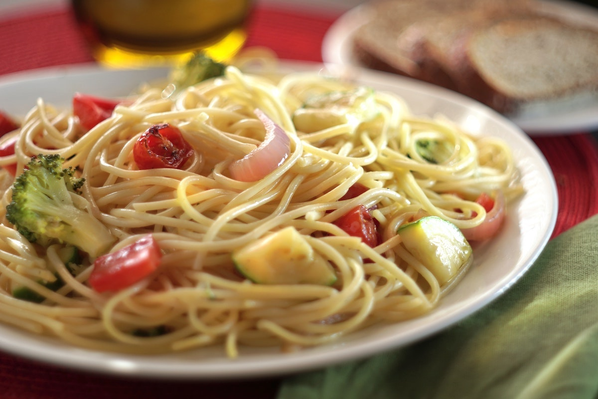 Easy And Fresh Spaghetti With Vegetables