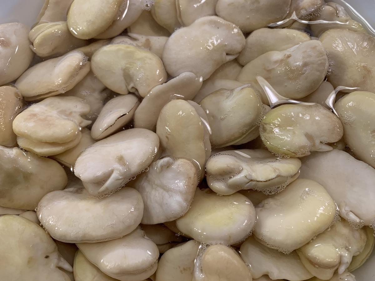 Soak And Peel Beans